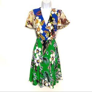 Diane Von Furstenberg   100% SILK Wrap Dress Sz 4